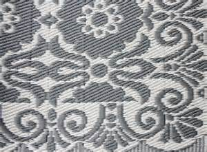 Grey And White Outdoor Rug Outdoor Rug Gray And White 120 X 180 Cm House Of Ideas Accessories And Pottery