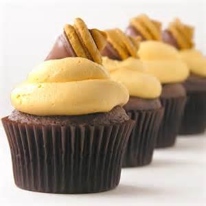 fall acorn cupcakes easybaked