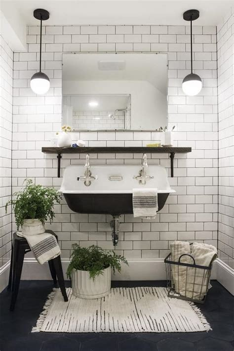 Black And White Bathroom Rugs by 20 Gorgeous Black And White Bathroom Rugs 70