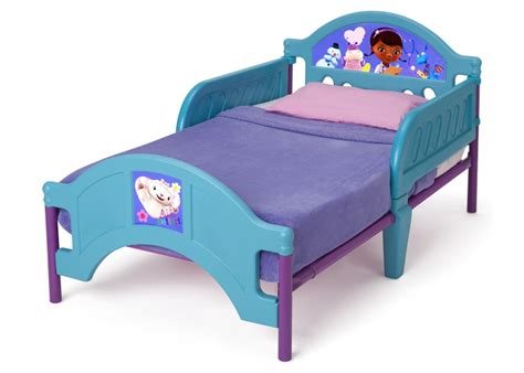 doc mcstuffin toddler bed doc mcstuffins plastic toddler bed delta children s products