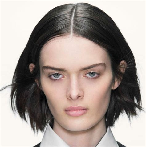 easy ways to style a bob 7 ways to style your bob haircut stylecaster