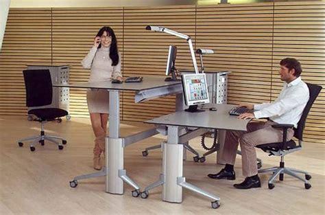 escritorios de pie 191 un escritorio que le permita estar sentado y de pie