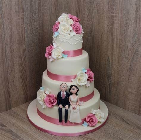 Creative Cakes by Creative Cakes Ireland Wedding Cakes