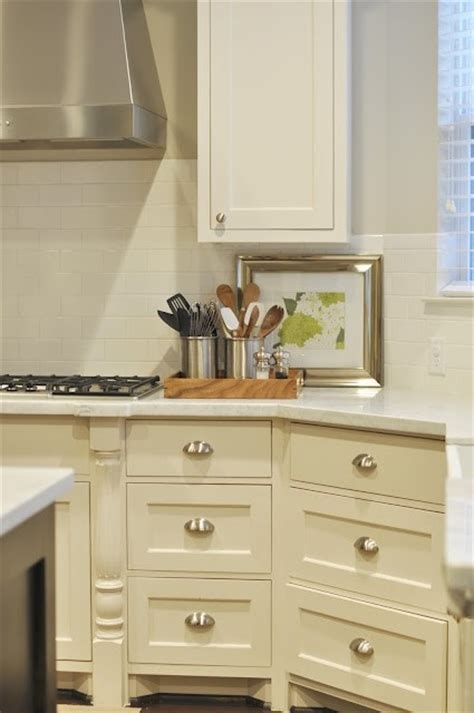 cream colored painted kitchen cabinets cream kitchen cabinets transitional kitchen sherwin