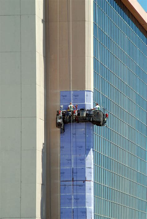swing stage new facade for hotel tower at caesars resort