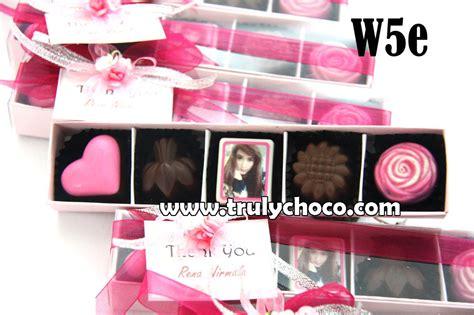 Souvenir Alphabeth Nama Bisa Request Huruf Dan Warna souvenir ultah ke 17 trulychoco handmade chocolate