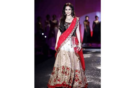 saree draping lehenga style how to wear saree in different style