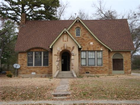 House Searcy Ar by Look At The On This House East Market