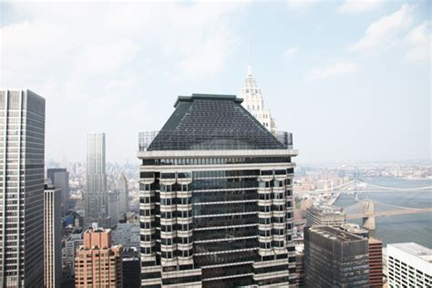 deutsche bank in new york deutsche bank completes world s tallest roof mounted solar