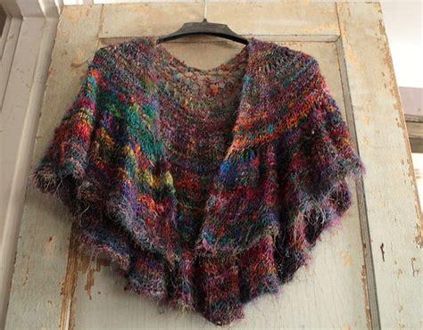 crescent shawl knitting pattern 17 best ideas about crescent shawl on shawl