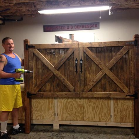 How To Build A Headboard And Footboard by 1000 Ideas About Barn Wood Headboard On