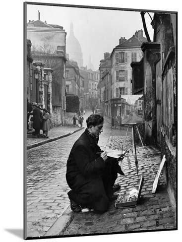 Young Artist Paints Sacre Coeur from the Ancient Rue