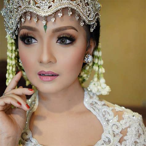Make Up Pengantin Di Sanggar Liza sanggar liza vendor pernikahan mantenan