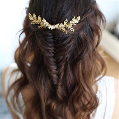 gorgeous bridal hair styles down dos historic kent manor inn half up half down hair hitched co uk