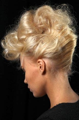 desingn by rolling some hair 171 best chignons french twists beehives images on