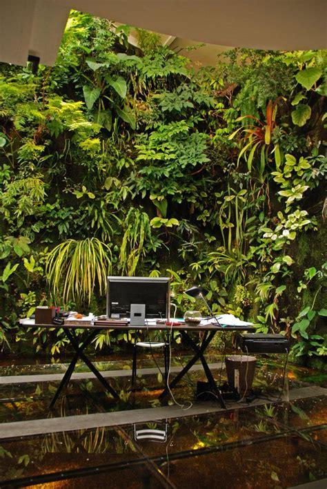 Blanc Vertical Gardens 25 Best Ideas About Blanc On Vertical
