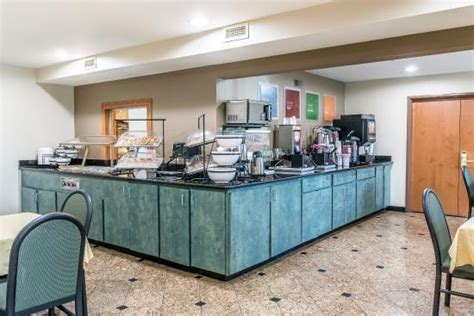 comfort inn and suites taylor mi comfort inn suites updated 2017 hotel reviews price