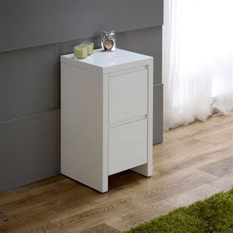how high should a bedside table be 25 best ideas about white gloss bedside table on