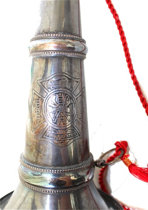Vintage Retro Bugle Horn Metal Iron Table Clock Decoration Jam Meja Firefighter Parade Horn Trumpet Or Bugle W Braided Rope Aged Brass Replica 3 The
