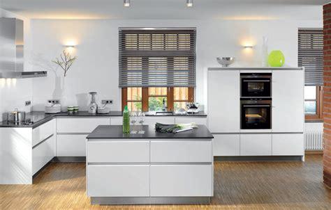 küchenmöbel für kleine küche wohnzimmer ideen weiss grau