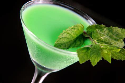 martini grasshopper een grasshopper martini maken wikihow