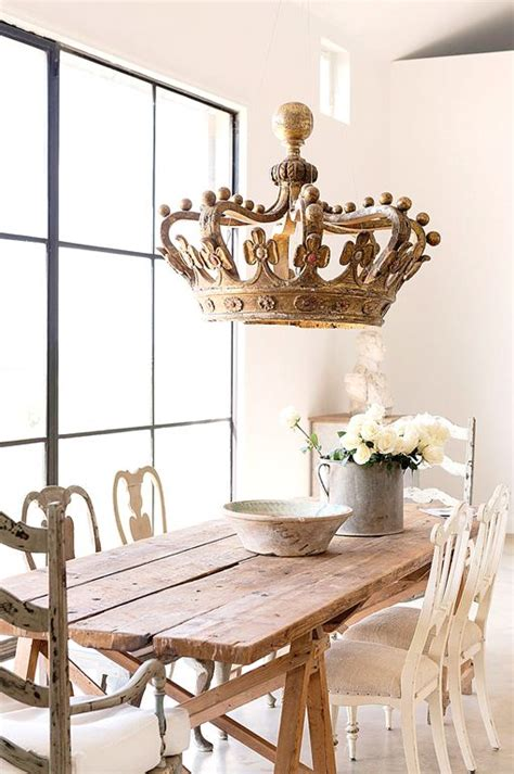 Decorating Crowns by 17 Best Ideas About Crown Decor On
