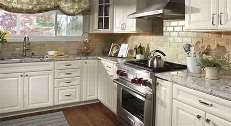 white kitchen cabinets backsplash ideas colonial white granite white cabinets backsplash ideas