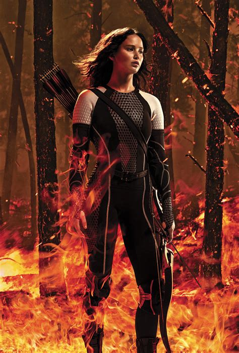 film hunger games review the hunger games catching fire girls with guns