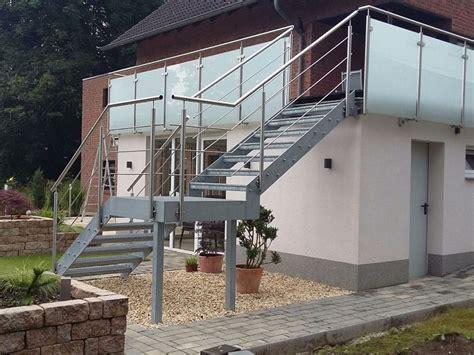 Treppe Handlauf Aussenbereich by Metallbau F 252 R Den Innen Au 223 Enbereich Treppen