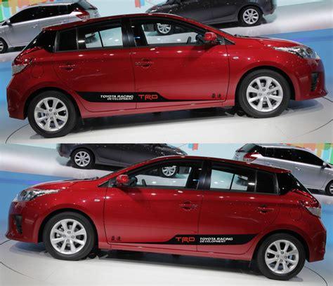 Emblem Mobil Trd Merah jual emblem toyota yaris mobil w