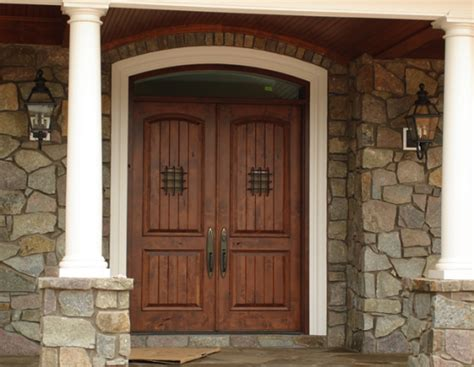 Security Front Doors For Homes How To Secure The Front Door In Your Rental House Reolink