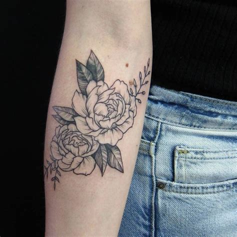 rose and writing tattoos best 10 placement ideas on