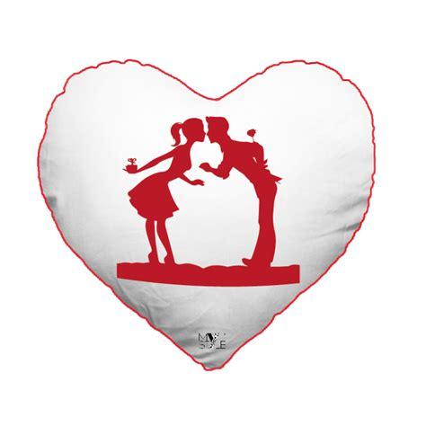 cuscini san valentino cuscino cuore san valentino modello quot innamorati quot