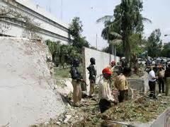consolato pakistan corriere della sera karachi attentato suicida al