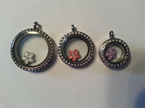Mini Locket Origami Owl - origami owl size comparison from left to right large