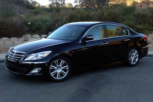 2013 hyundai genesis v 6 sedan side front view photo 8