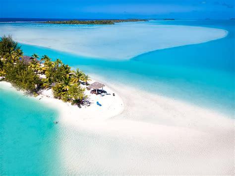 overwater bungalow  aitutaki lagoon private island