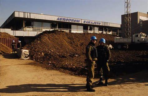 kene sarajevo felder 237 tő 250 ton szarajev 243 ban 1999 ben t 246 rt 233 netek a balk 225 nr 243 l