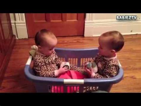 bebes hablando entre ellos beb 233 s hablando entre ellos