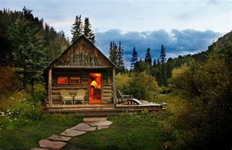 The Log Cabin Relaxshacks Thirteen Tiny Log Cabins And A