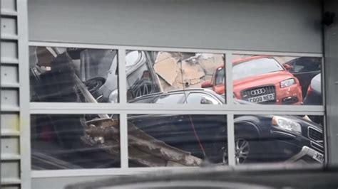 Milton Keynes Audi Car Nage At Milton Keynes Audi Dealership As Roof