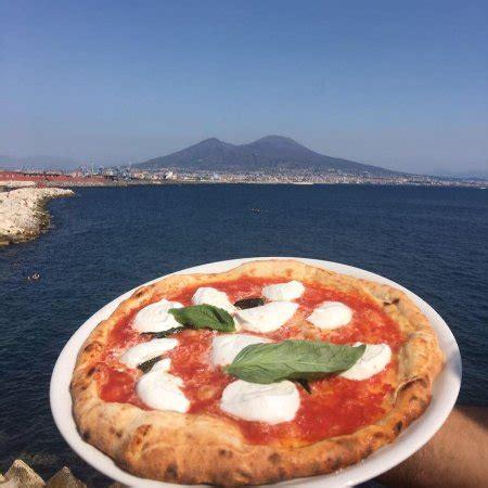 pizzeria a pavia ristorante pizzeria pavia in napoli con cucina pizza e
