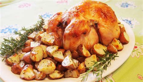 come cucinare pollo al forno ricetta pollo al forno con patate roba da donne