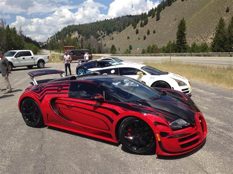 bugatti veyron top speed bugatti veyron hits 235 7 mph at sun valley road rally 2015
