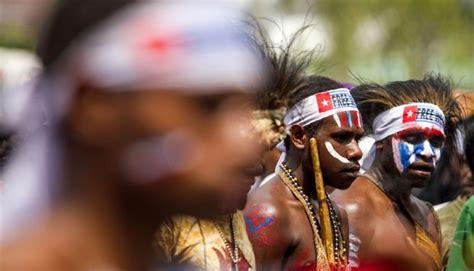 Baju Aliansi png tegaskan papua bagian integral indonesia dunia tempo co