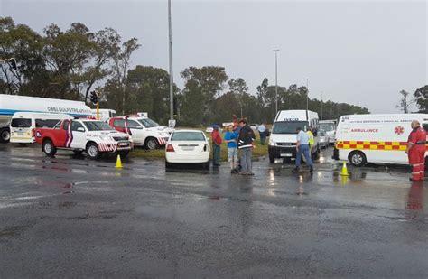 vehicle collision  vanderbijlpark left  people injured
