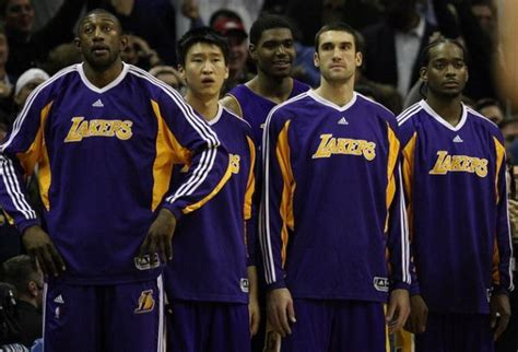 lakers bench 4 reasons why the los angeles lakers are the worst team in