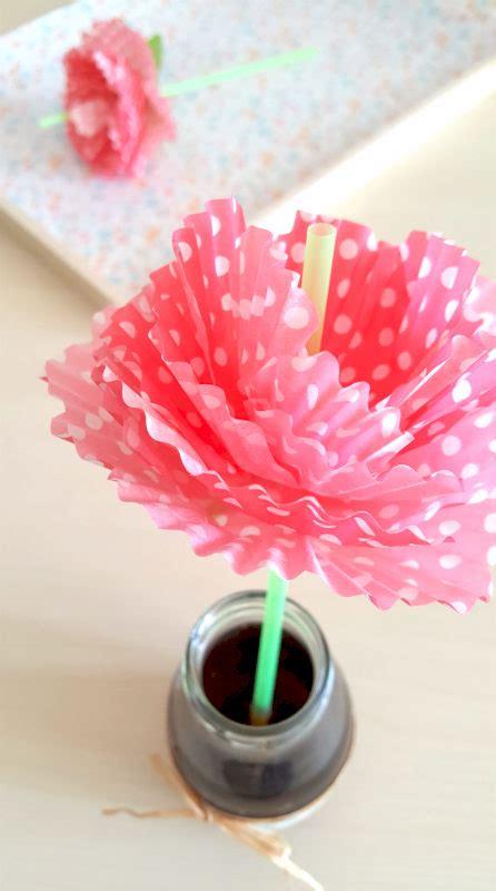 fiori con cannucce come fare delle cannucce con fiori di carta tutorial