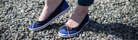 what are the best walking shoes for travel savored journeys