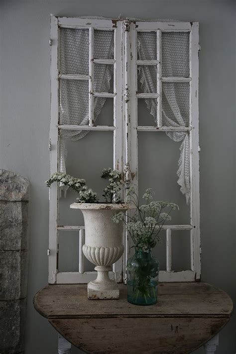 Decorating With Antique Doors by Best 25 Shabby Chic Entryway Ideas On